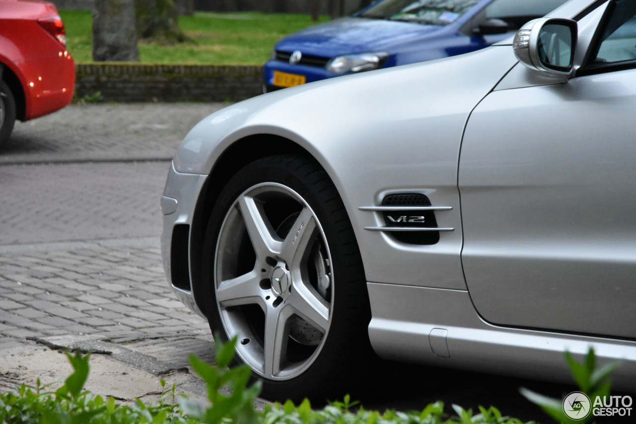 Mercedes benz sl 600 r230 21 april 2017 autogespot for Mercedes benz c 600