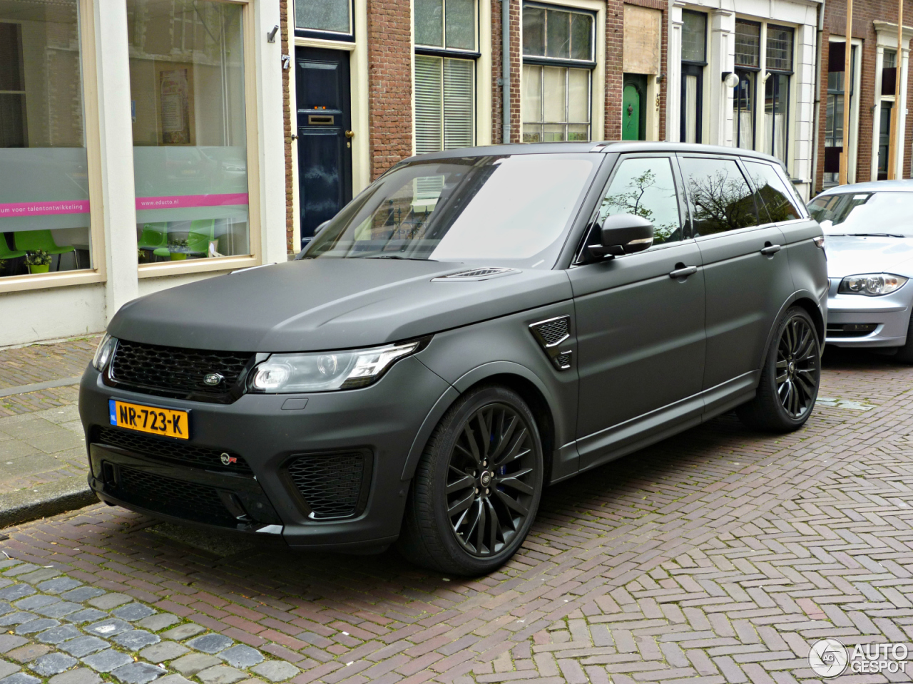 land rover range rover sport svr 24 april 2017 autogespot. Black Bedroom Furniture Sets. Home Design Ideas