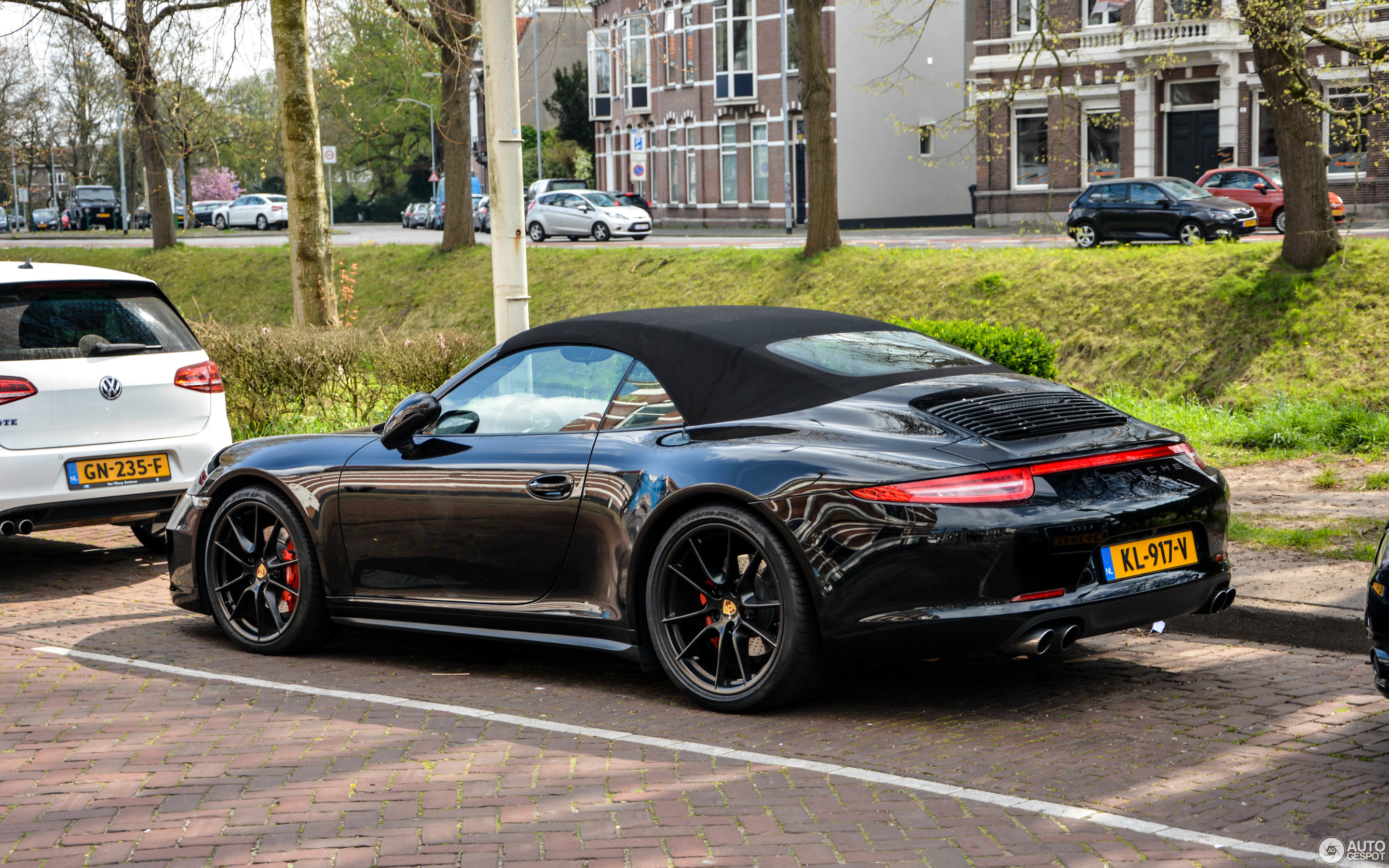 porsche 991 carrera 4s cabriolet 24 april 2017 autogespot. Black Bedroom Furniture Sets. Home Design Ideas