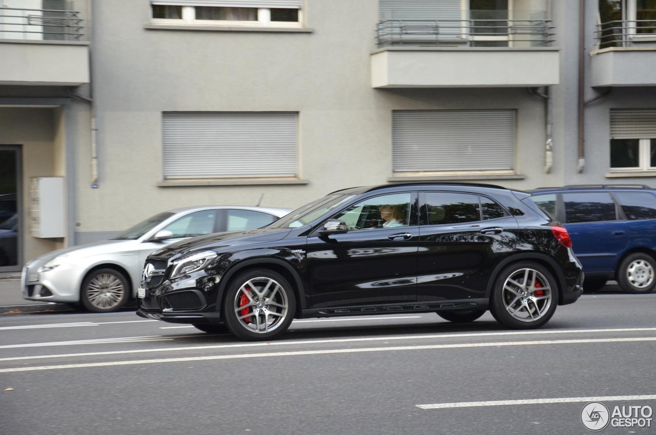Mercedes benz gla 45 amg x156 27 april 2017 autogespot for 2017 amg gla 45 mercedes benz