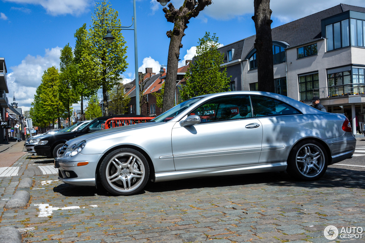 mercedes benz clk 55 amg 1 may 2017 autogespot. Black Bedroom Furniture Sets. Home Design Ideas
