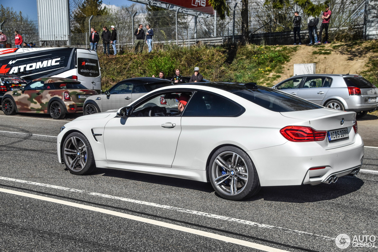 bmw m4 f82 coup 2017 3 may 2017 autogespot. Black Bedroom Furniture Sets. Home Design Ideas