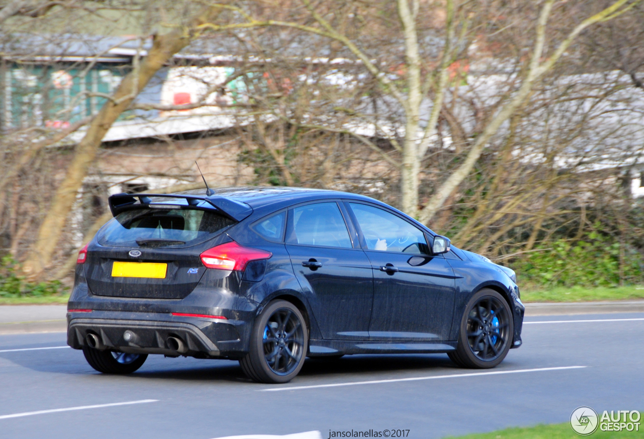 ford focus rs 2015 3 may 2017 autogespot. Black Bedroom Furniture Sets. Home Design Ideas