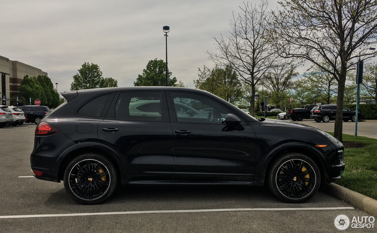 porsche 958 cayenne turbo s 3 may 2017 autogespot. Black Bedroom Furniture Sets. Home Design Ideas