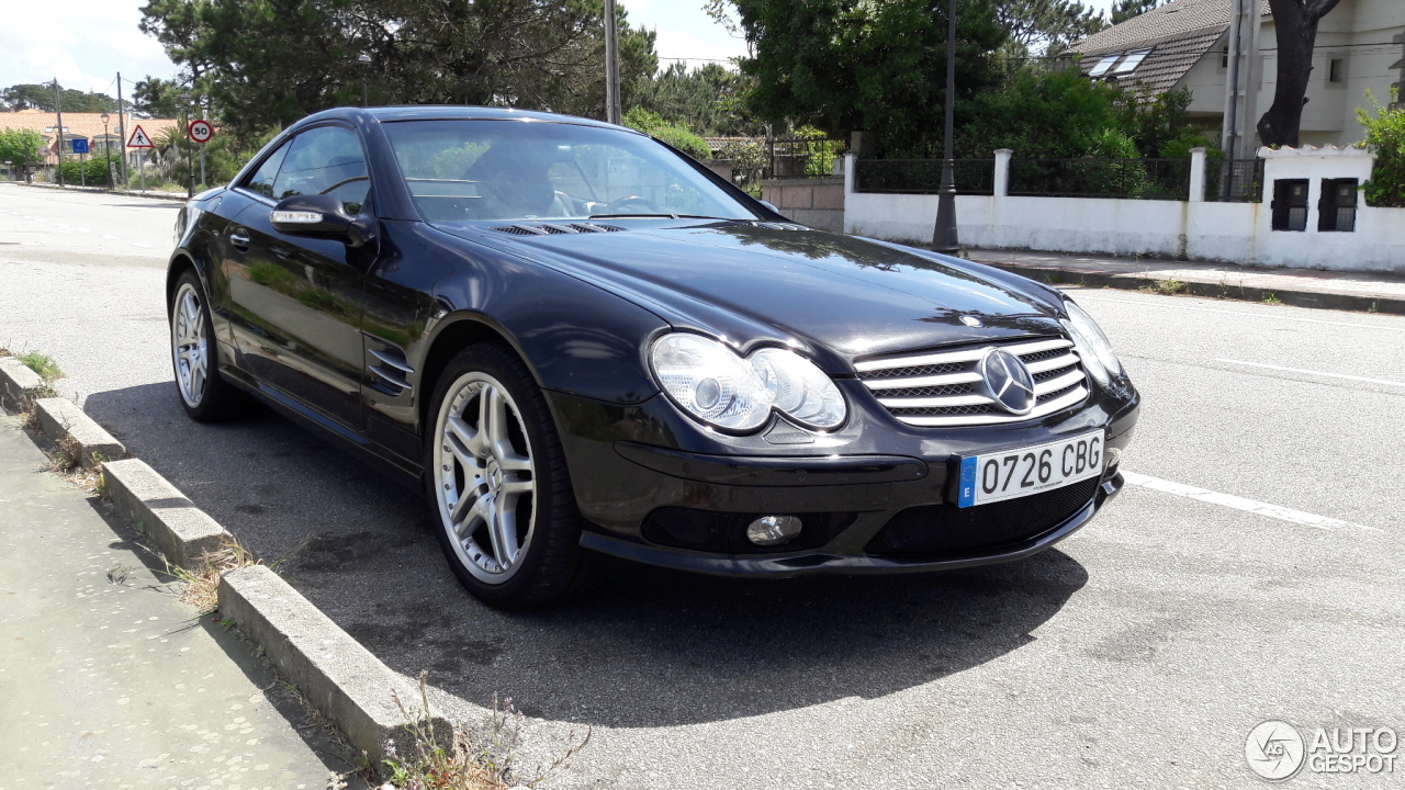 Mercedes benz sl 55 amg r230 2006 4 may 2017 autogespot for Mercedes benz 230 2017