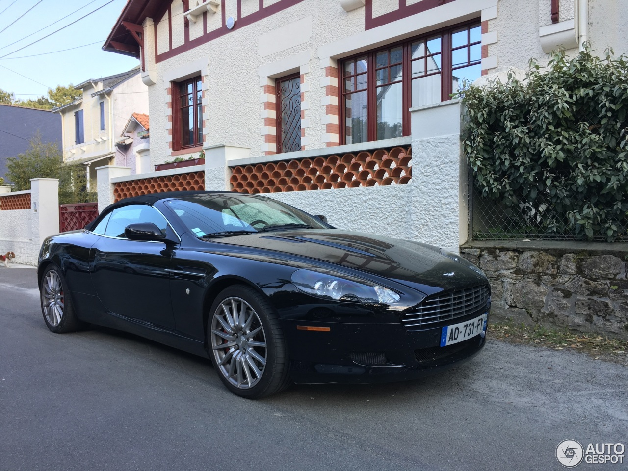 aston martin db9 volante 5 may 2017 autogespot. Black Bedroom Furniture Sets. Home Design Ideas