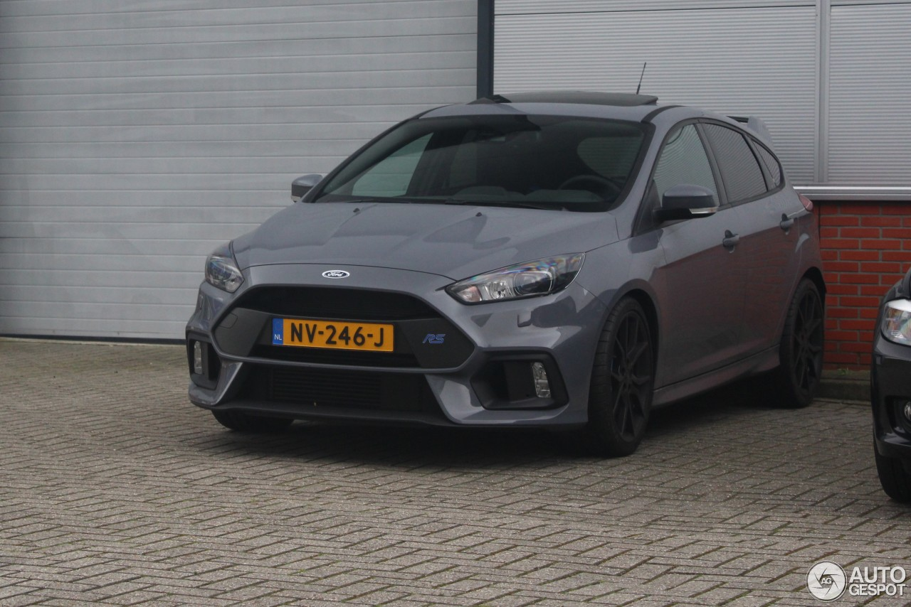 ford focus rs 2015 5 may 2017 autogespot. Black Bedroom Furniture Sets. Home Design Ideas