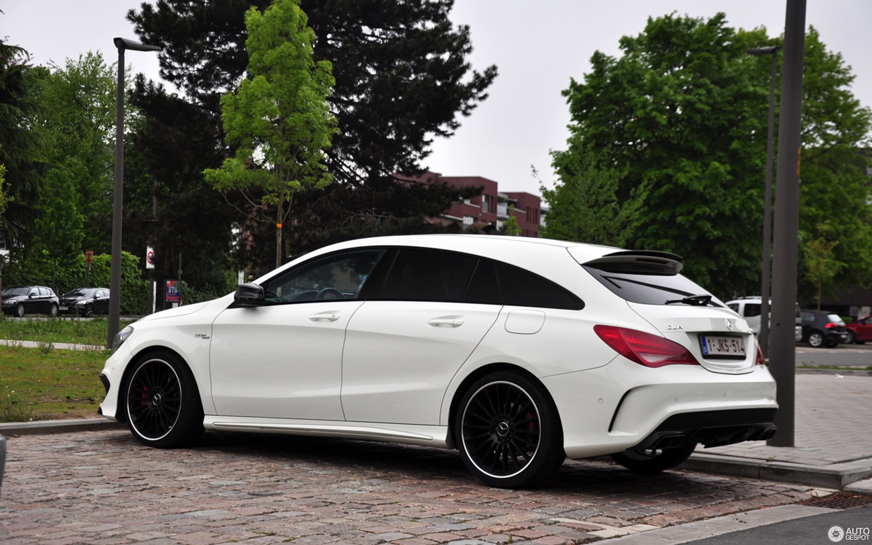 mercedes benz cla 45 amg shooting brake 7 maio 2017. Black Bedroom Furniture Sets. Home Design Ideas