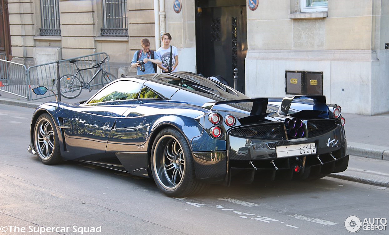 pagani huayra pearl 7 may 2017 autogespot. Black Bedroom Furniture Sets. Home Design Ideas