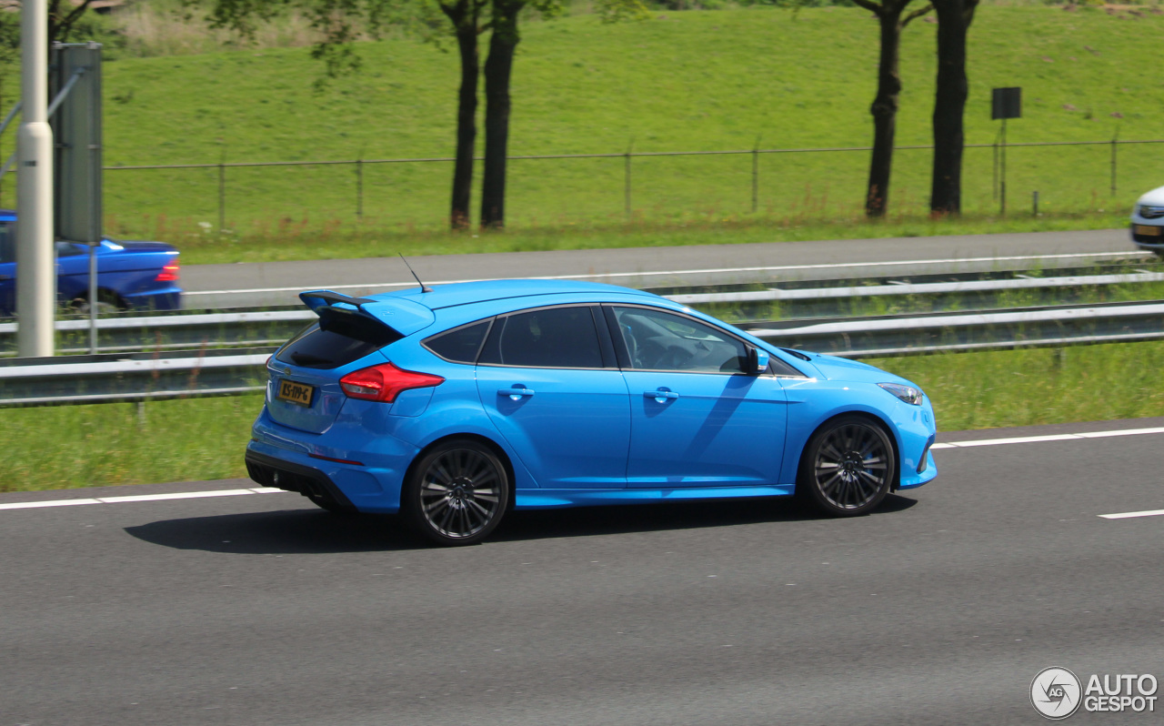 ford focus rs 2015 9 may 2017 autogespot. Black Bedroom Furniture Sets. Home Design Ideas