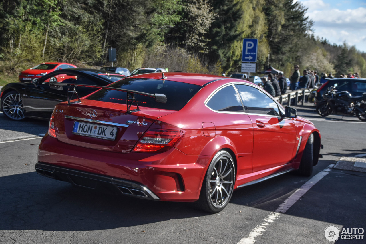 Mercedes benz c 63 amg coup black series 10 mai 2017 for C series mercedes benz