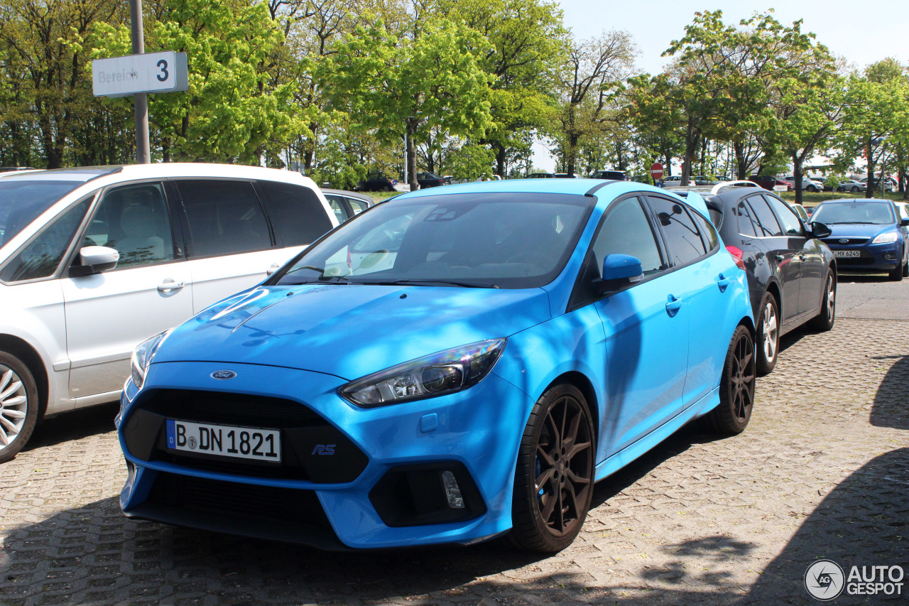 ford focus rs 2015 11 may 2017 autogespot. Black Bedroom Furniture Sets. Home Design Ideas