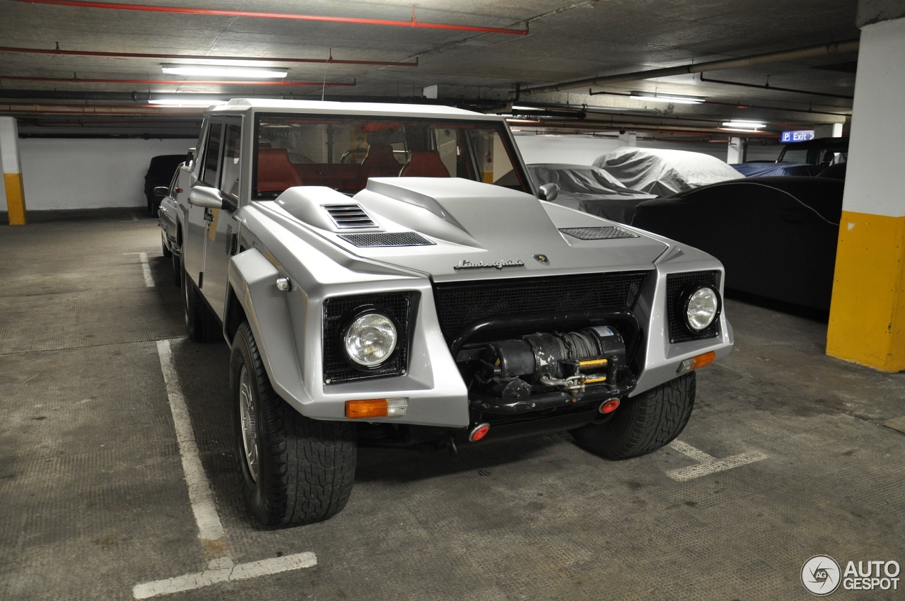 Lamborghini LM002 - 11 May 2017 - Autogespot