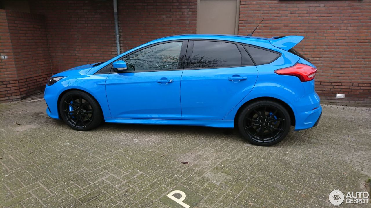 ford focus rs 2015 12 may 2017 autogespot. Black Bedroom Furniture Sets. Home Design Ideas