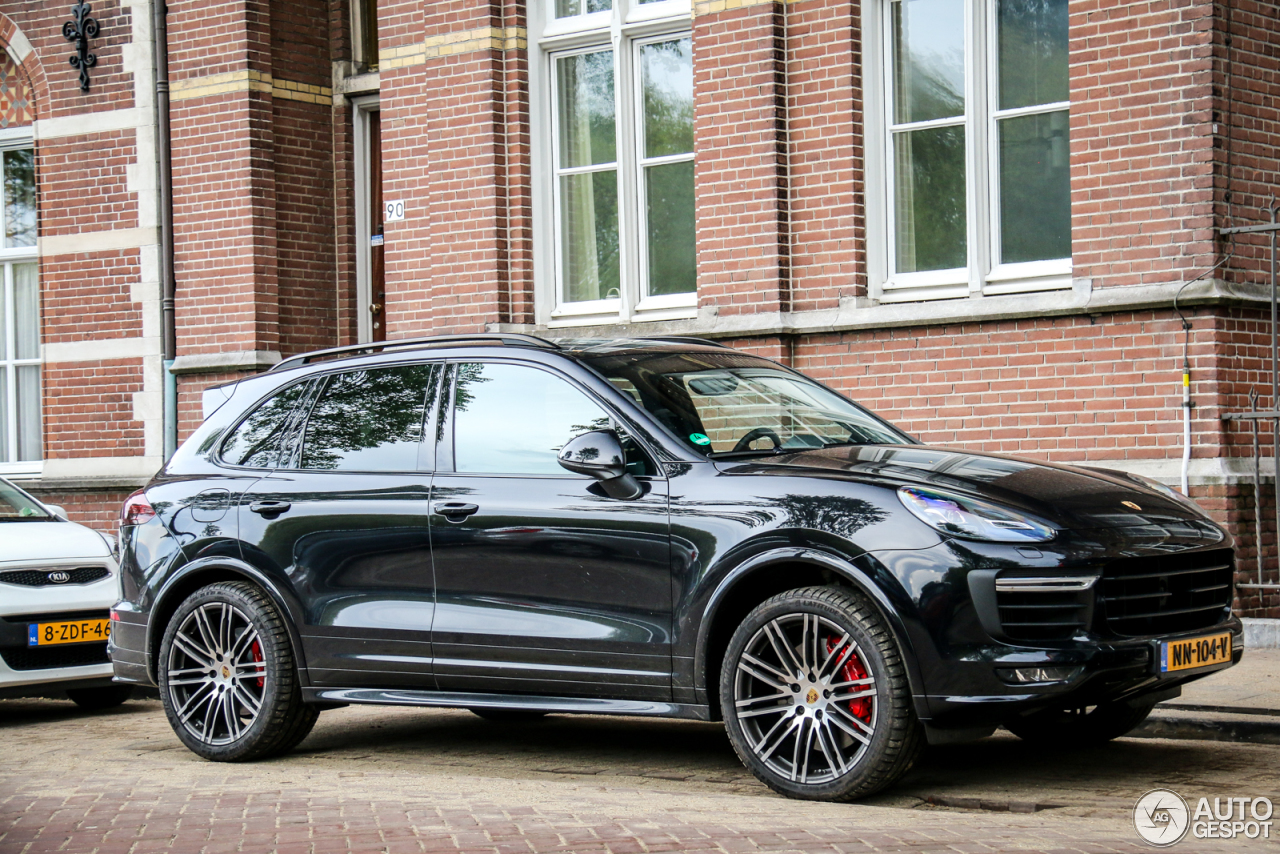 porsche 958 cayenne gts mkii 12 may 2017 autogespot. Black Bedroom Furniture Sets. Home Design Ideas