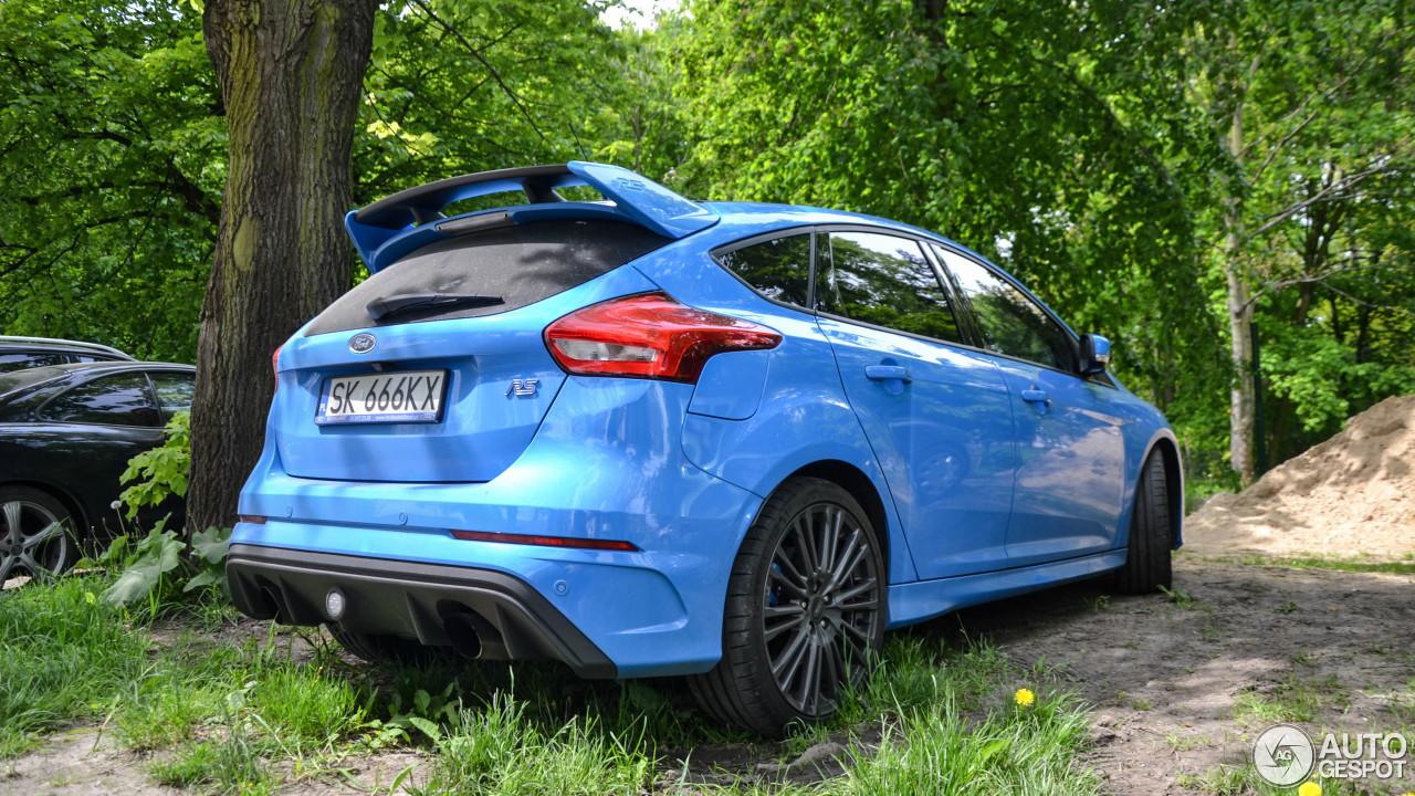 ford focus rs 2015 13 may 2017 autogespot. Black Bedroom Furniture Sets. Home Design Ideas
