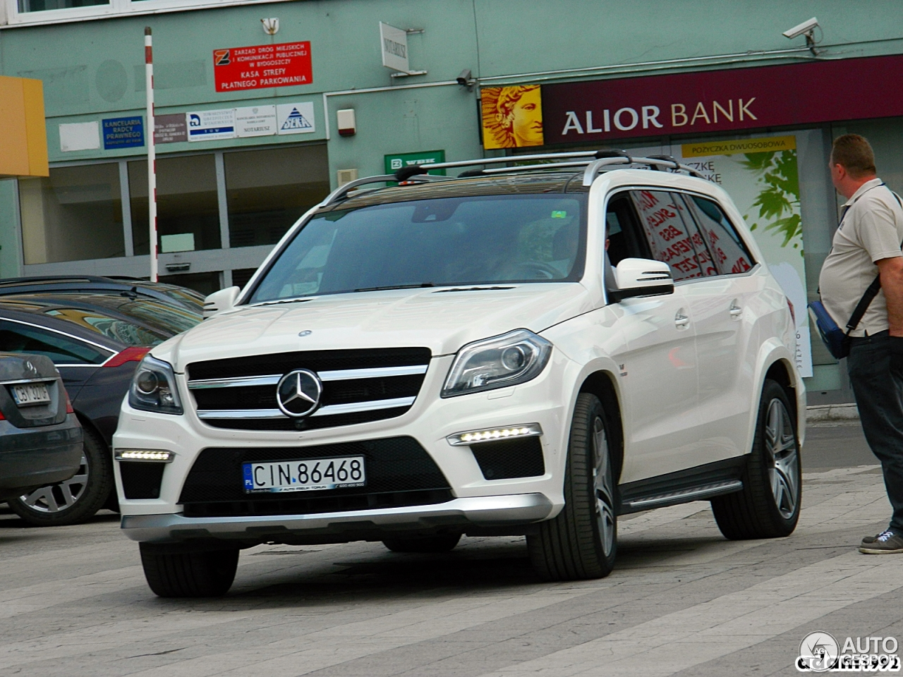 Mercedes benz gl 63 amg x166 16 may 2017 autogespot for Mercedes benz gl 63 amg