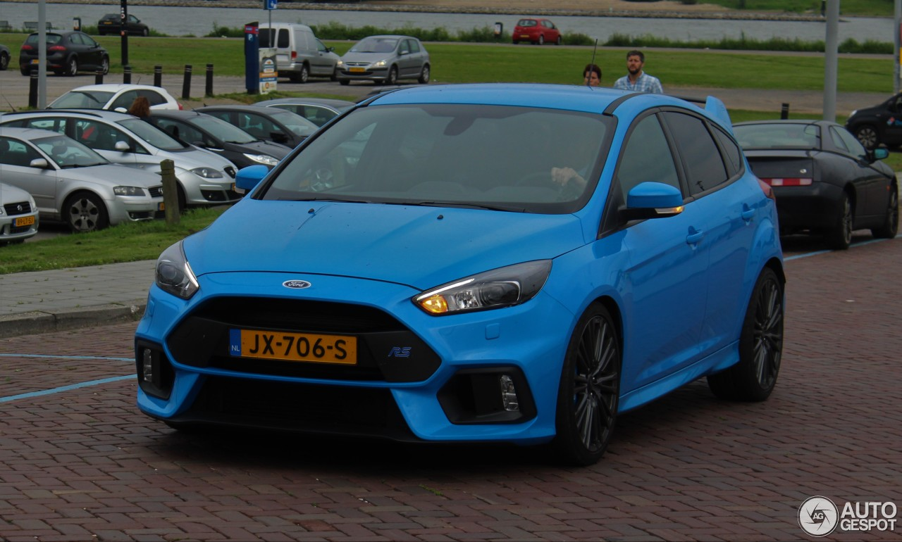 ford focus rs 2015 19 may 2017 autogespot. Black Bedroom Furniture Sets. Home Design Ideas