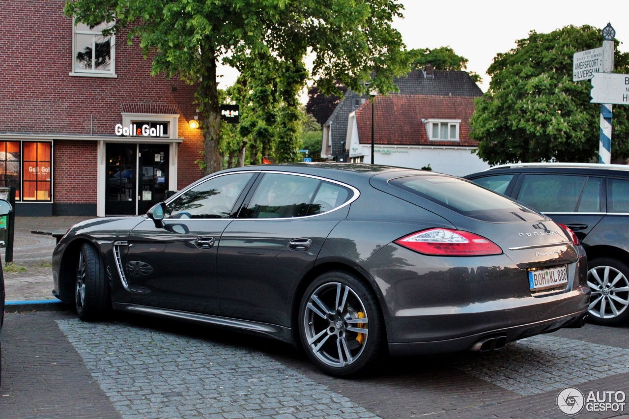 porsche panamera turbo s 19 mei 2017 autogespot. Black Bedroom Furniture Sets. Home Design Ideas