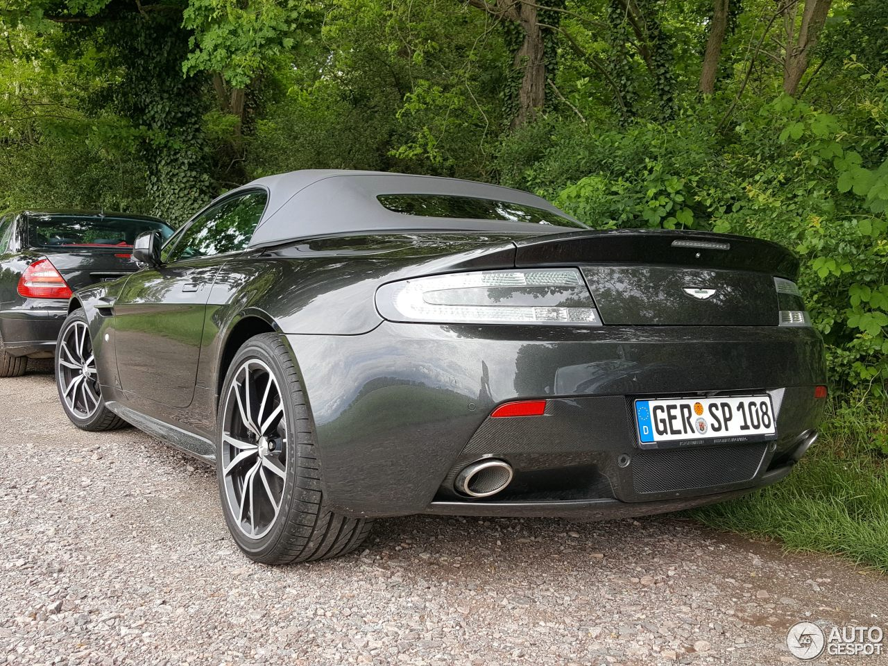 aston martin v8 vantage s roadster 20 may 2017 autogespot. Black Bedroom Furniture Sets. Home Design Ideas