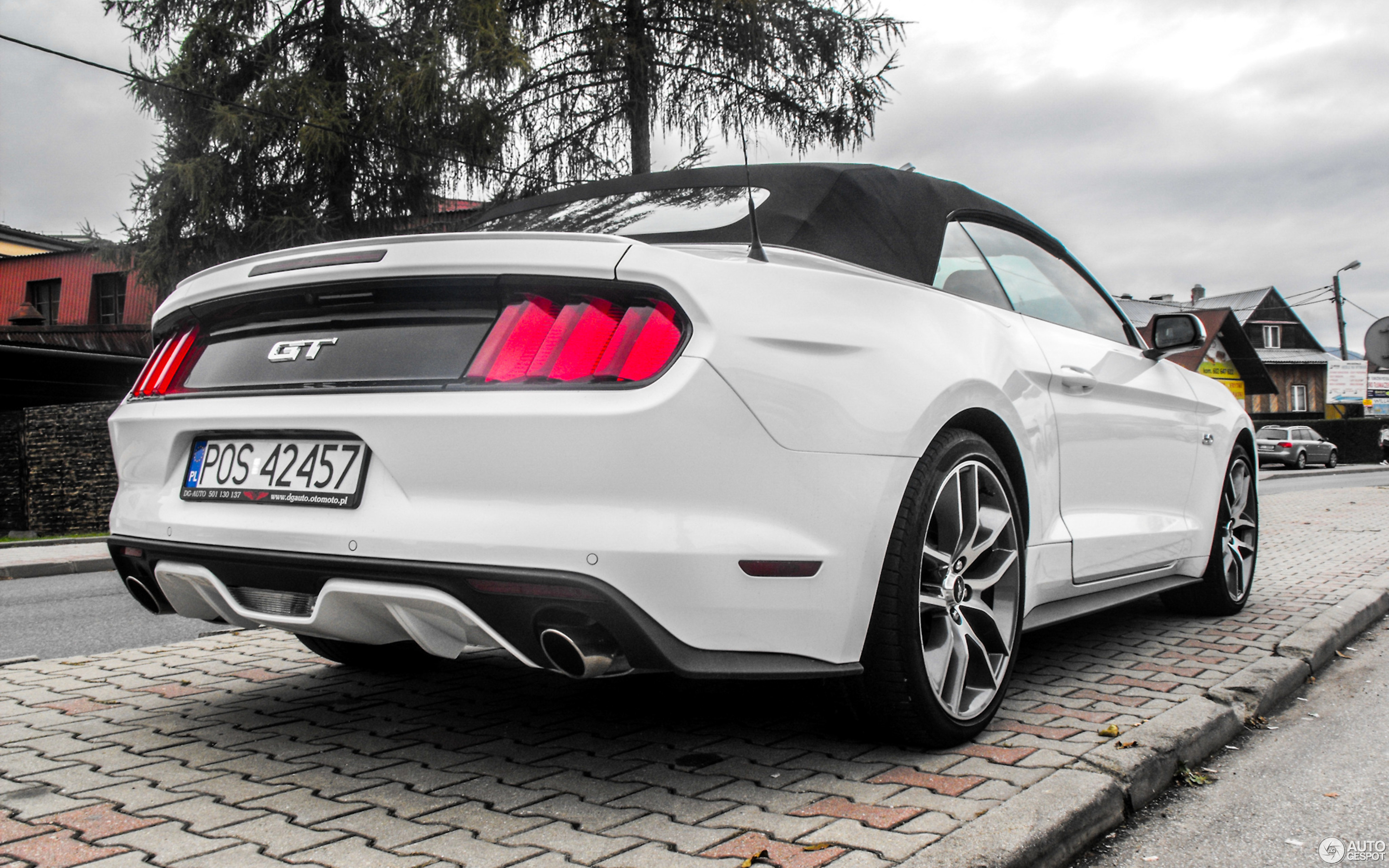 ford mustang gt convertible 2015 20 may 2017 autogespot. Black Bedroom Furniture Sets. Home Design Ideas