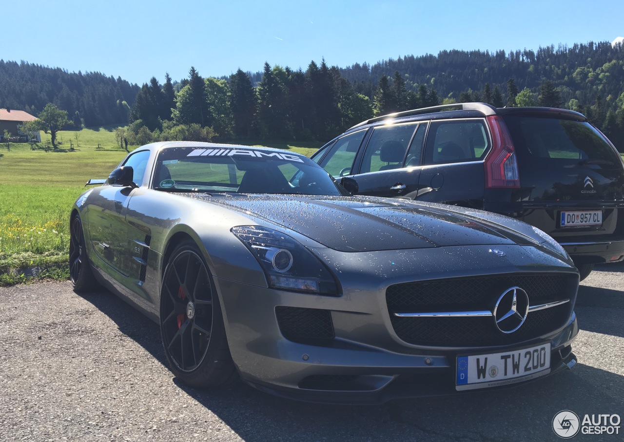 Mercedes benz sls amg gt final edition 22 may 2017 for Mercedes benz gts 2017