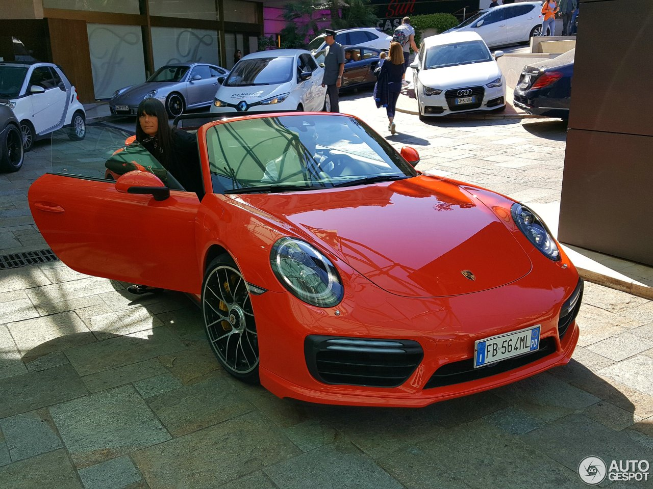porsche 991 turbo s cabriolet mkii 22 may 2017 autogespot. Black Bedroom Furniture Sets. Home Design Ideas