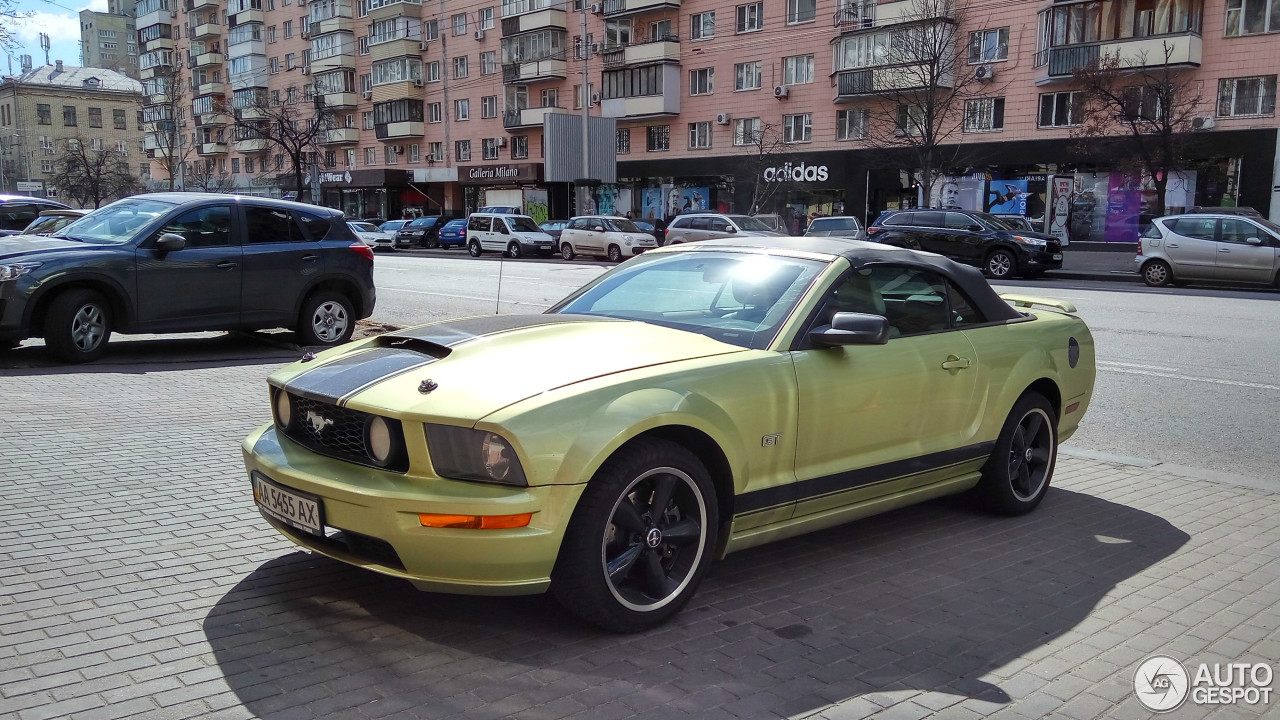 ford mustang gt convertible 24 mai 2017 autogespot. Black Bedroom Furniture Sets. Home Design Ideas