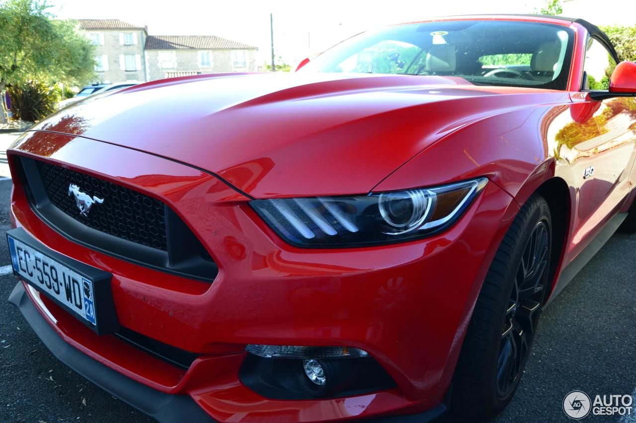 ford mustang gt convertible 2015 26 mai 2017 autogespot. Black Bedroom Furniture Sets. Home Design Ideas