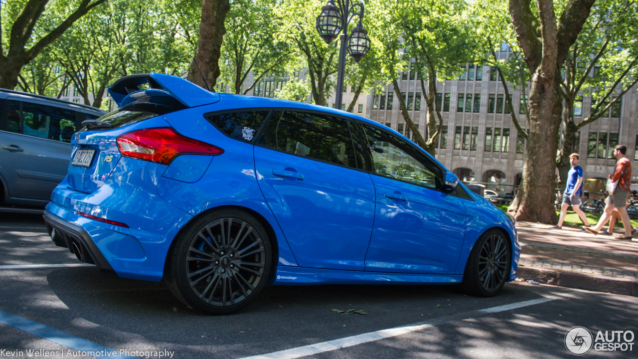 ford focus rs 2015 27 mei 2017 autogespot. Black Bedroom Furniture Sets. Home Design Ideas