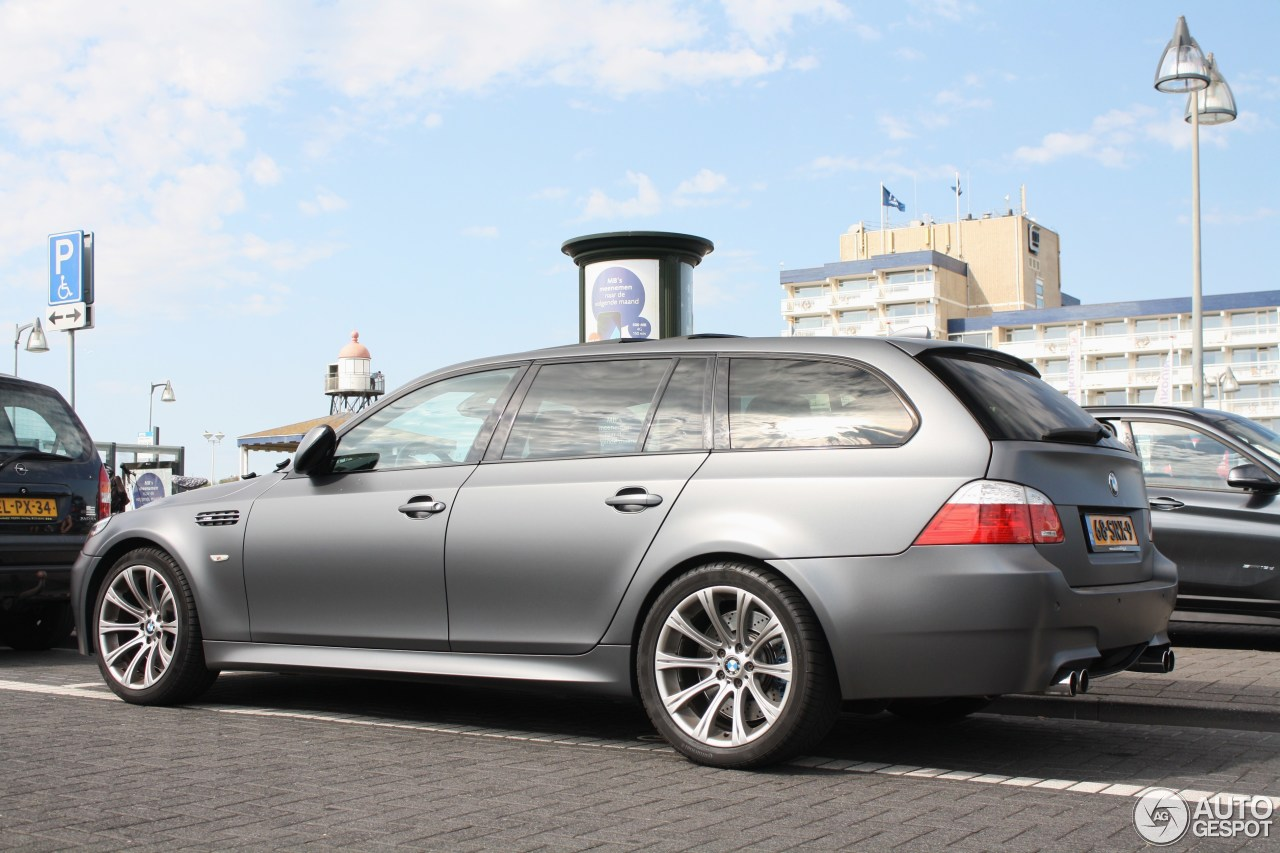 bmw m5 e61 touring 28 may 2017 autogespot. Black Bedroom Furniture Sets. Home Design Ideas