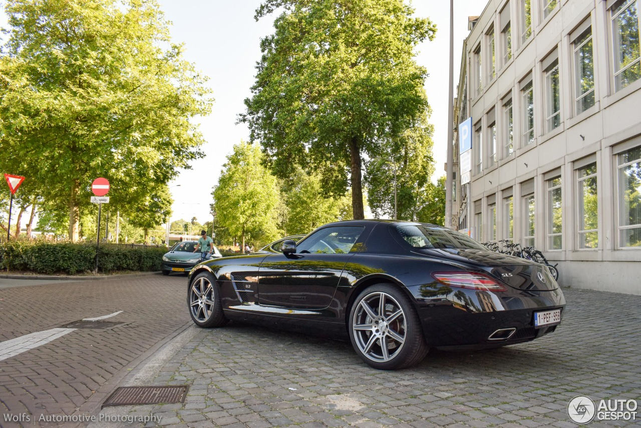 Mercedes benz sls amg 28 may 2017 autogespot for All types of mercedes benz cars