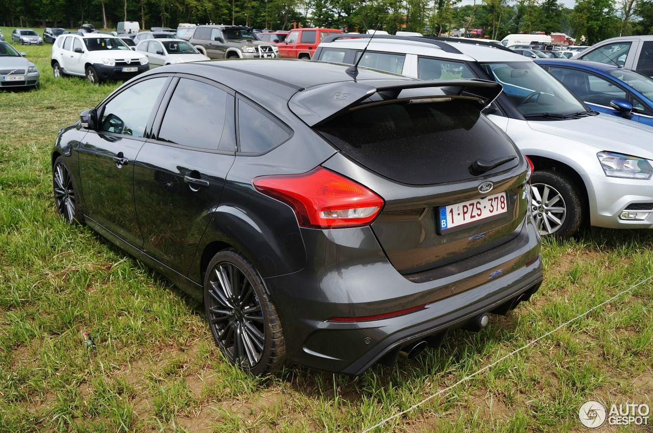 ford focus rs 2015 30 may 2017 autogespot. Black Bedroom Furniture Sets. Home Design Ideas