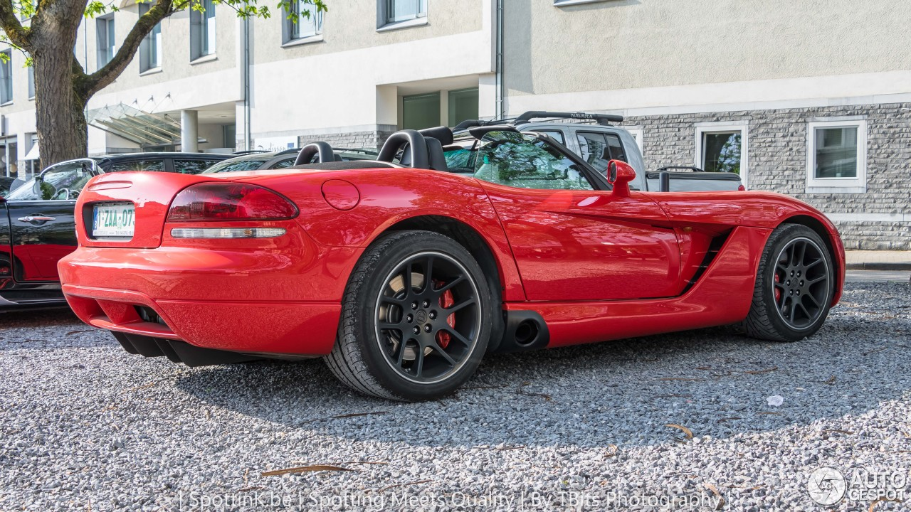 dodge viper srt 10 roadster 2003 31 may 2017 autogespot. Black Bedroom Furniture Sets. Home Design Ideas