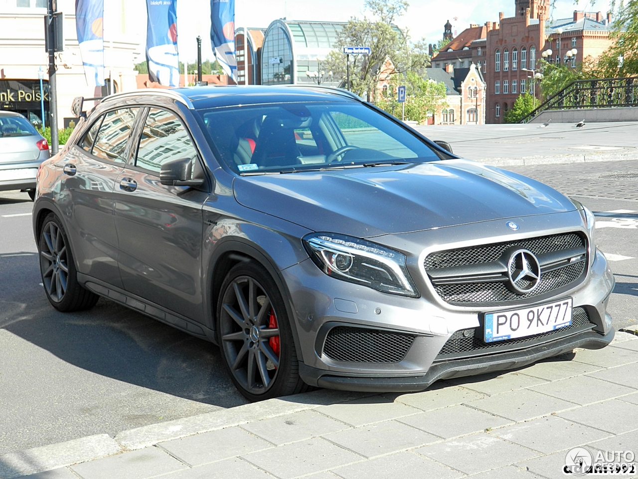 Mercedes benz gla 45 amg x156 1 junio 2017 autogespot for 2017 amg gla 45 mercedes benz