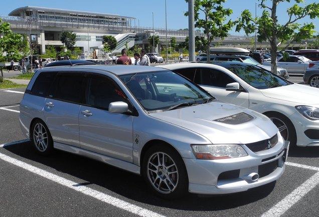 Mitsubishi Lancer Evolution Wagon MR