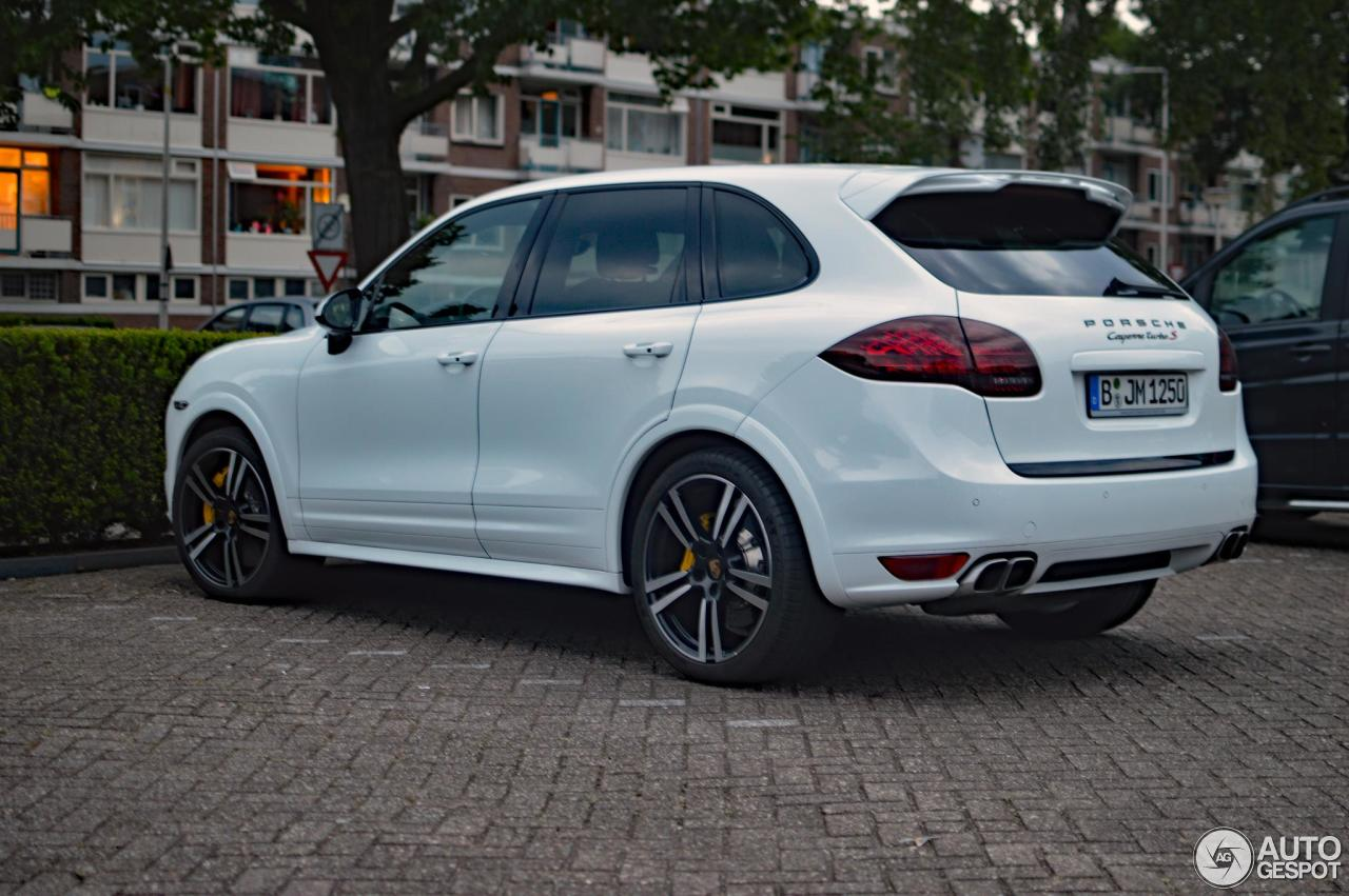 porsche 958 cayenne turbo s 5 june 2017 autogespot. Black Bedroom Furniture Sets. Home Design Ideas