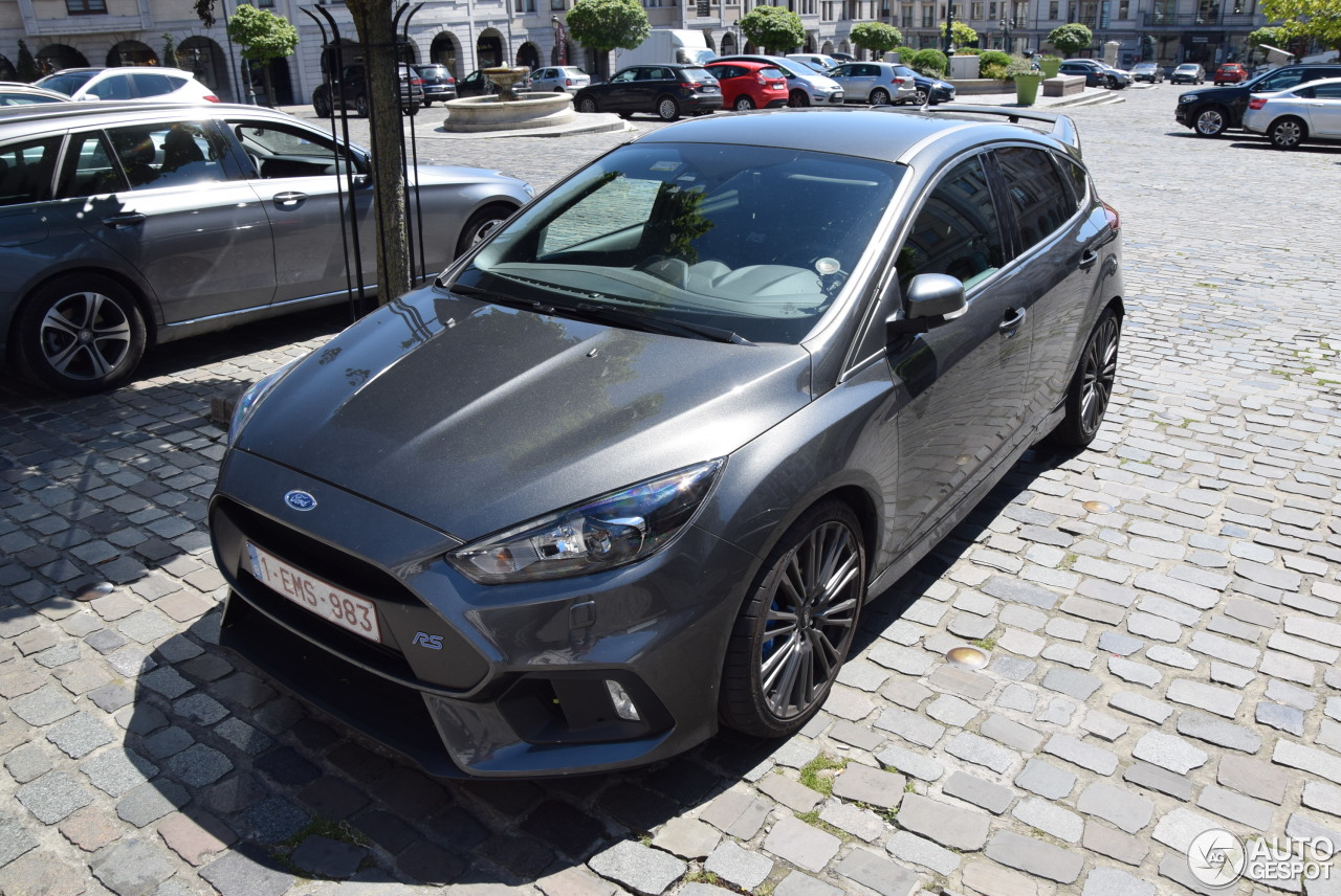 ford focus rs 2015 6 june 2017 autogespot. Black Bedroom Furniture Sets. Home Design Ideas