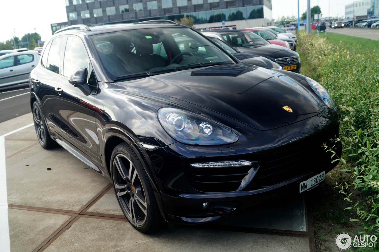 porsche 958 cayenne gts 9 june 2017 autogespot. Black Bedroom Furniture Sets. Home Design Ideas