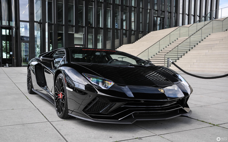 Lamborghini aventador s black
