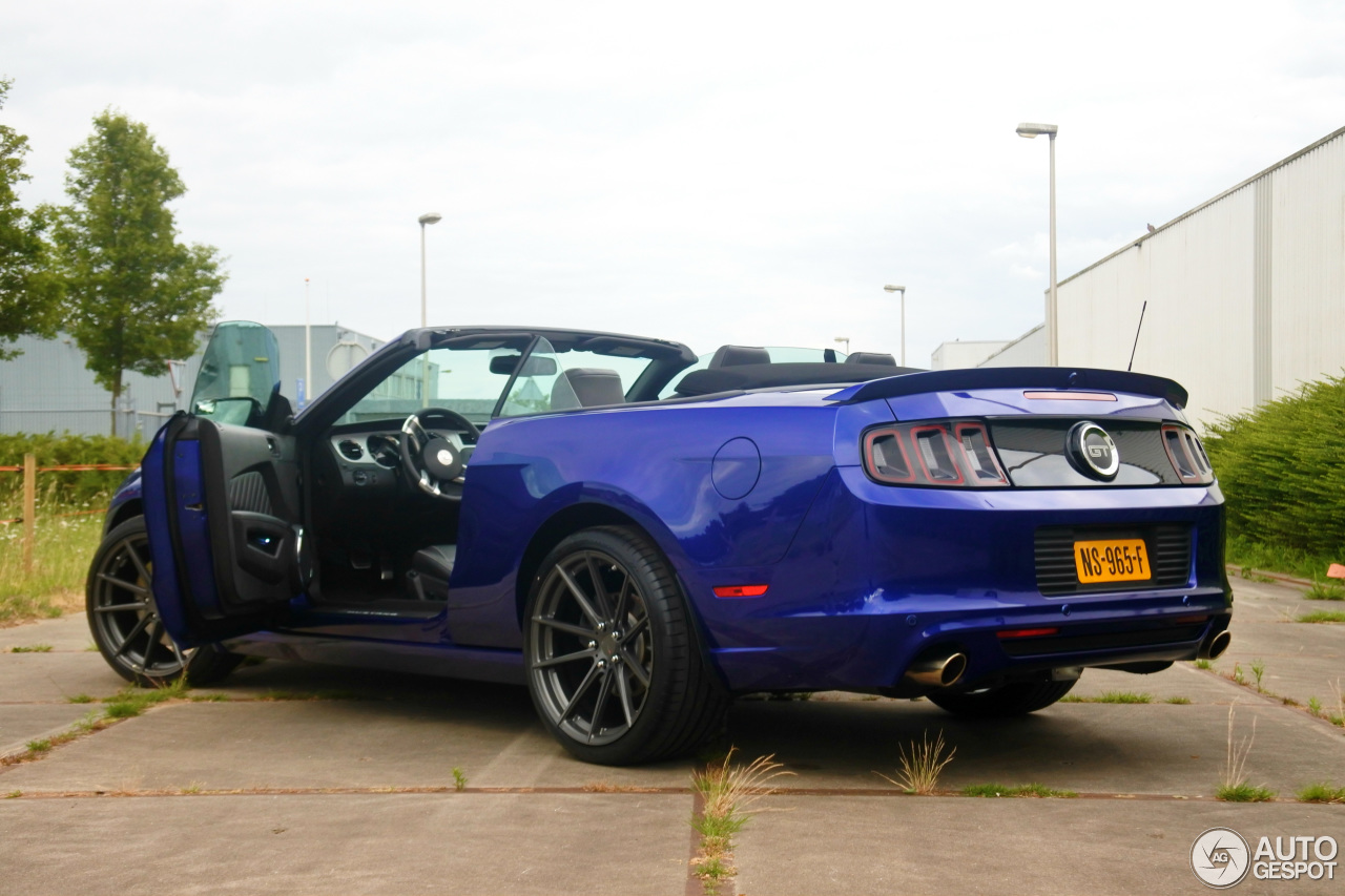 ford mustang gt convertible 2013 14 june 2017 autogespot. Black Bedroom Furniture Sets. Home Design Ideas