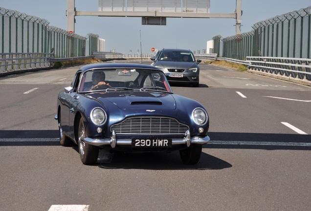 Aston Martin DB4 Series V