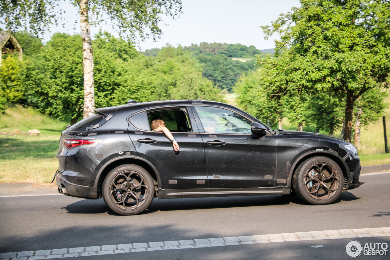 alfa romeo stelvio quadrifoglio 22 june 2017 autogespot. Black Bedroom Furniture Sets. Home Design Ideas