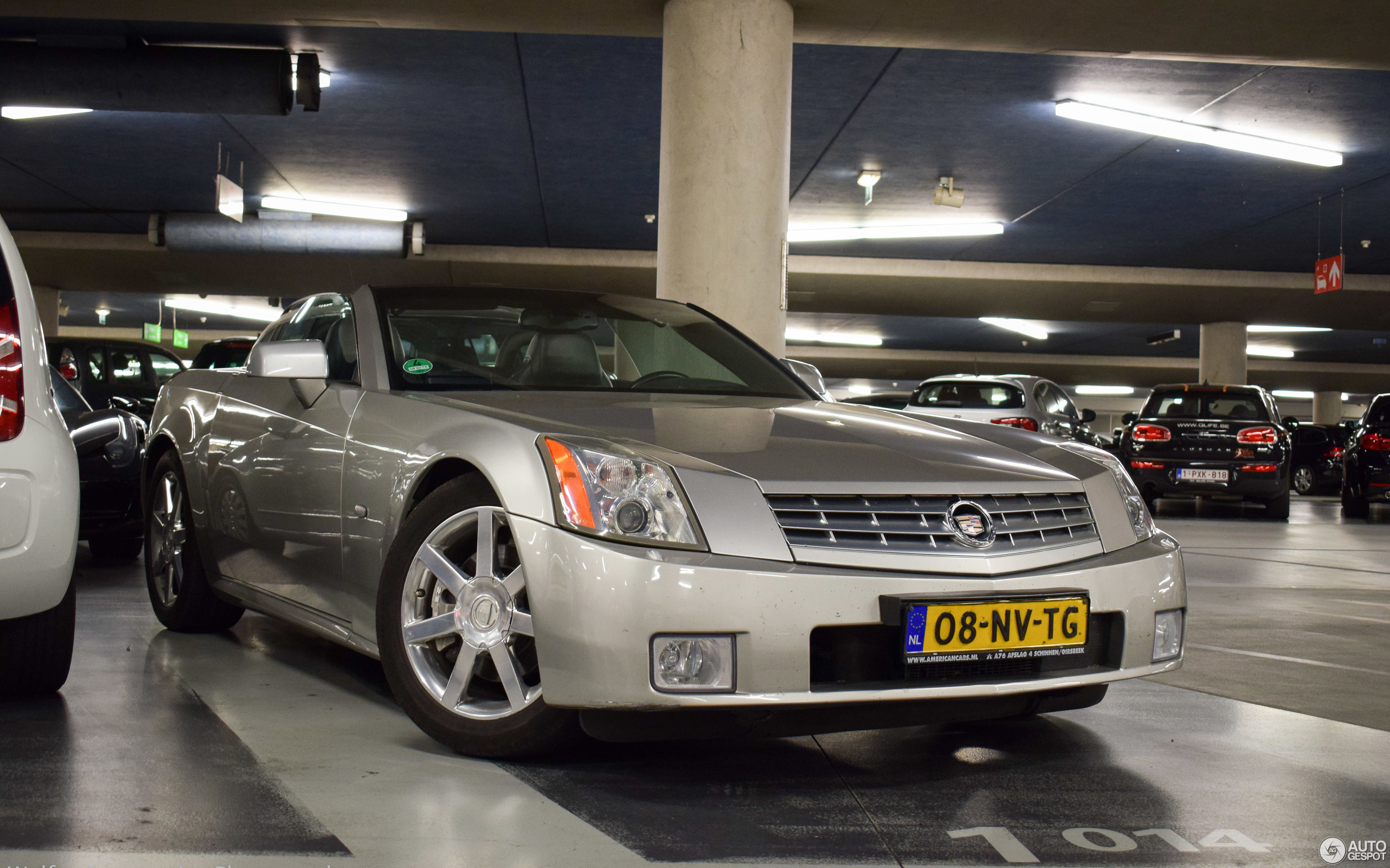 pictures and database xlr com auto specs cadillac information