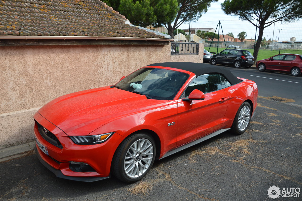 ford mustang gt convertible 2015 26 june 2017 autogespot. Black Bedroom Furniture Sets. Home Design Ideas