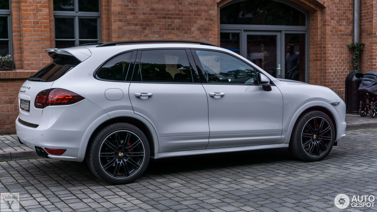 porsche 958 cayenne gts 27 june 2017 autogespot. Black Bedroom Furniture Sets. Home Design Ideas