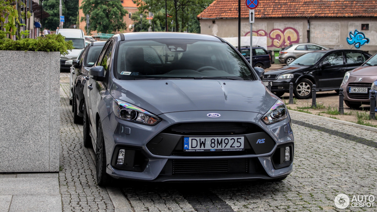 ford focus rs 2015 28 june 2017 autogespot. Black Bedroom Furniture Sets. Home Design Ideas