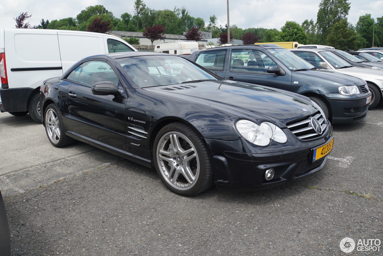 Mercedes benz sl 55 amg r230 1 july 2017 autogespot for Mercedes benz 230 2017