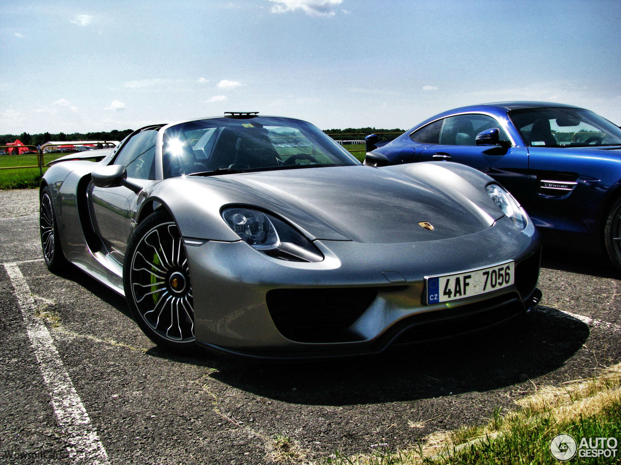porsche 918 spyder 2 july 2017 autogespot. Black Bedroom Furniture Sets. Home Design Ideas