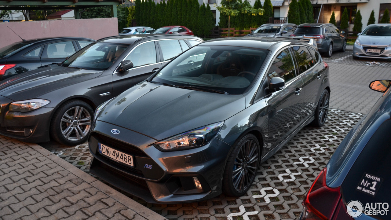 ford focus rs 2015 8 july 2017 autogespot. Black Bedroom Furniture Sets. Home Design Ideas